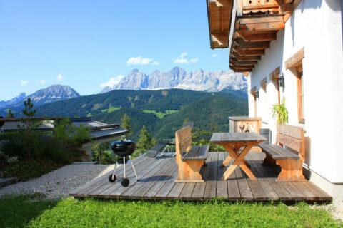 Toplage mit Bergblick in der Wanderregion Schladming-Dachstein-Reiteralm
