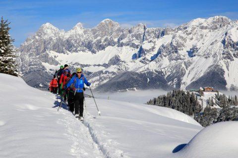 Schneeschuhwandern - Winterurlaub in der Urlaubsregion Schladming-Dachstein